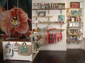 Shop_inside_01
